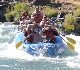 River Rafting along the Deschutes